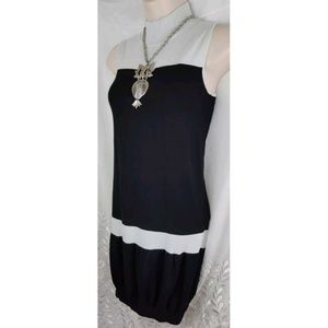 Black and gray sleeveless sweater dress